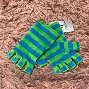 Velour fingerless gloves green/blue